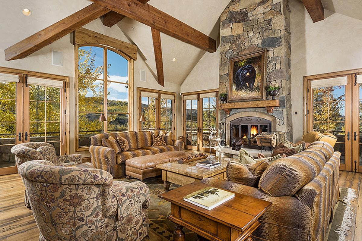 Pine Crest Luxury